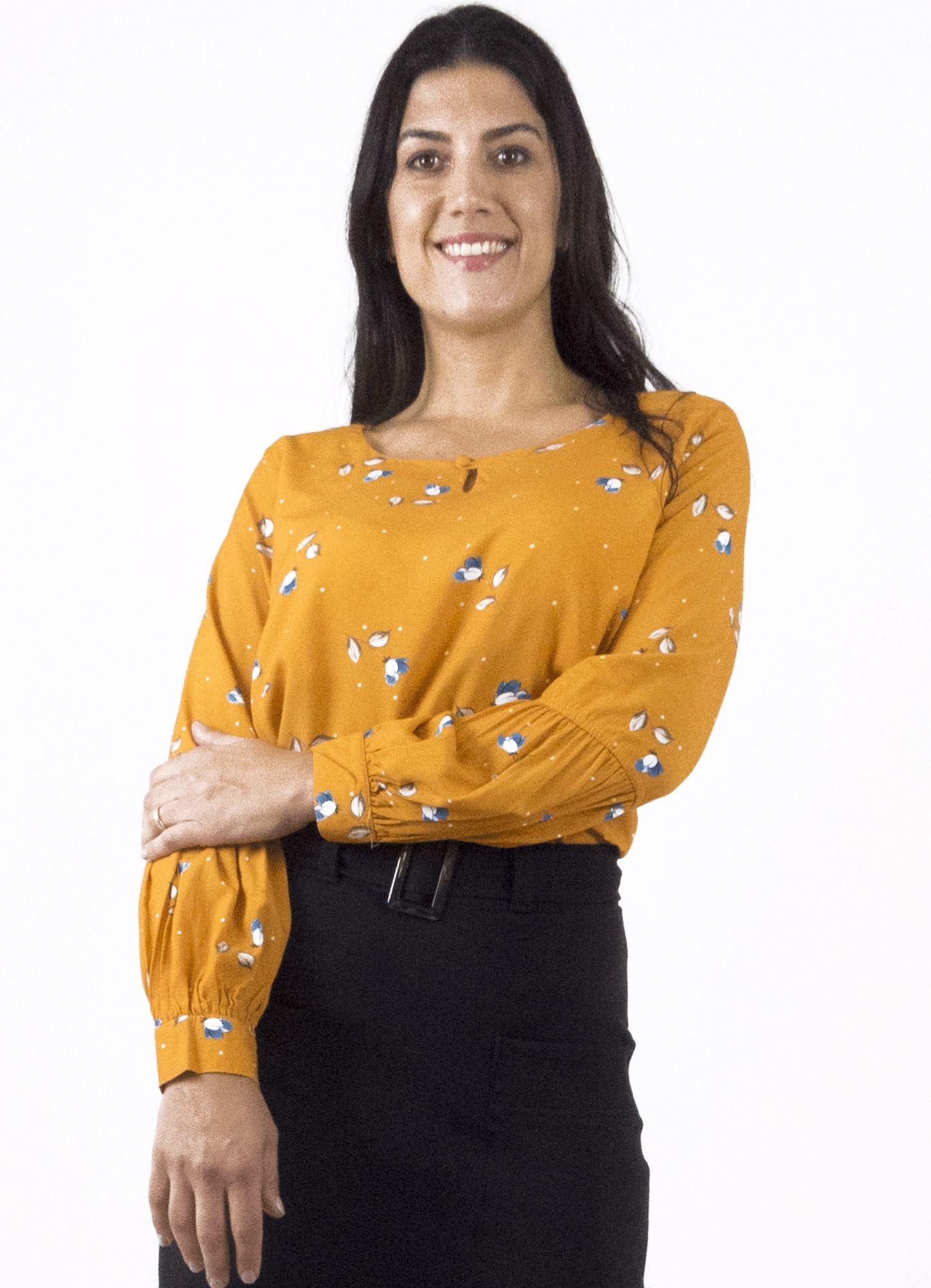 Blusa Feminina Plus Size Viscose Amarela com Estampa com Recorte Franzido na Manga