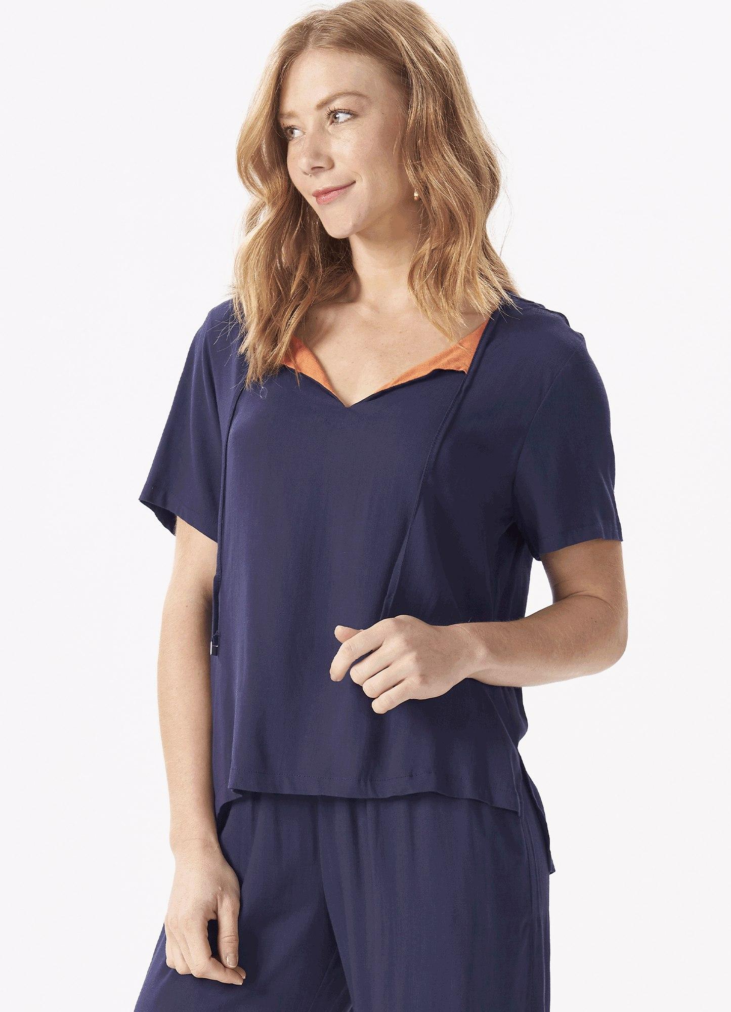 Blusa Feminina Tecido Azul Marinho Amarração Decote