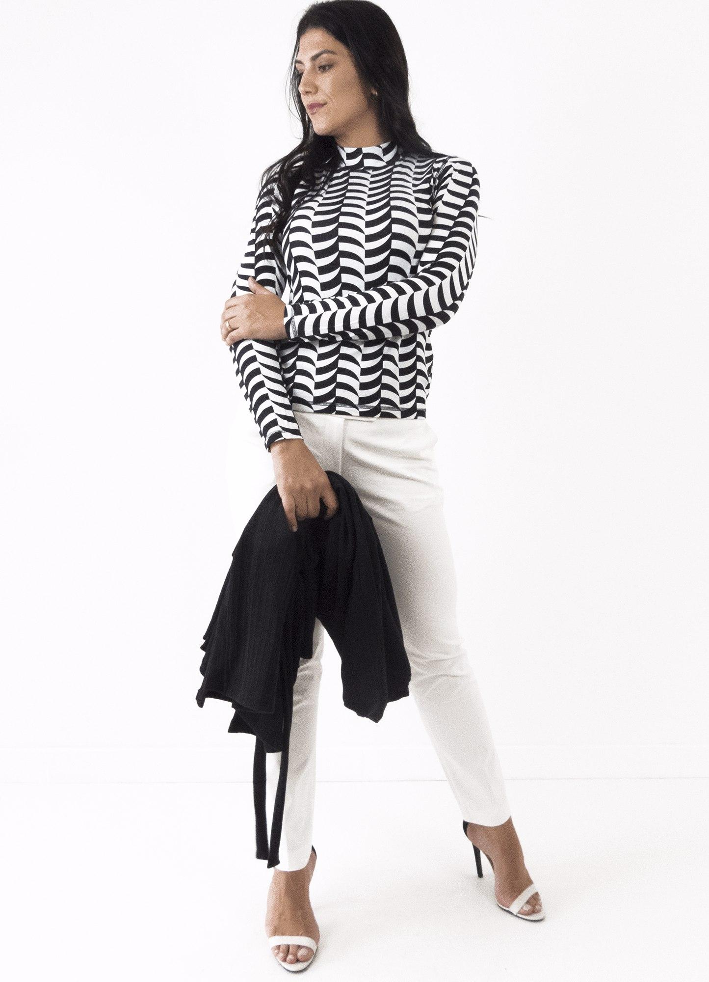 Blusa Feminina Viscose Estampada Preta e Branca Cacharrel