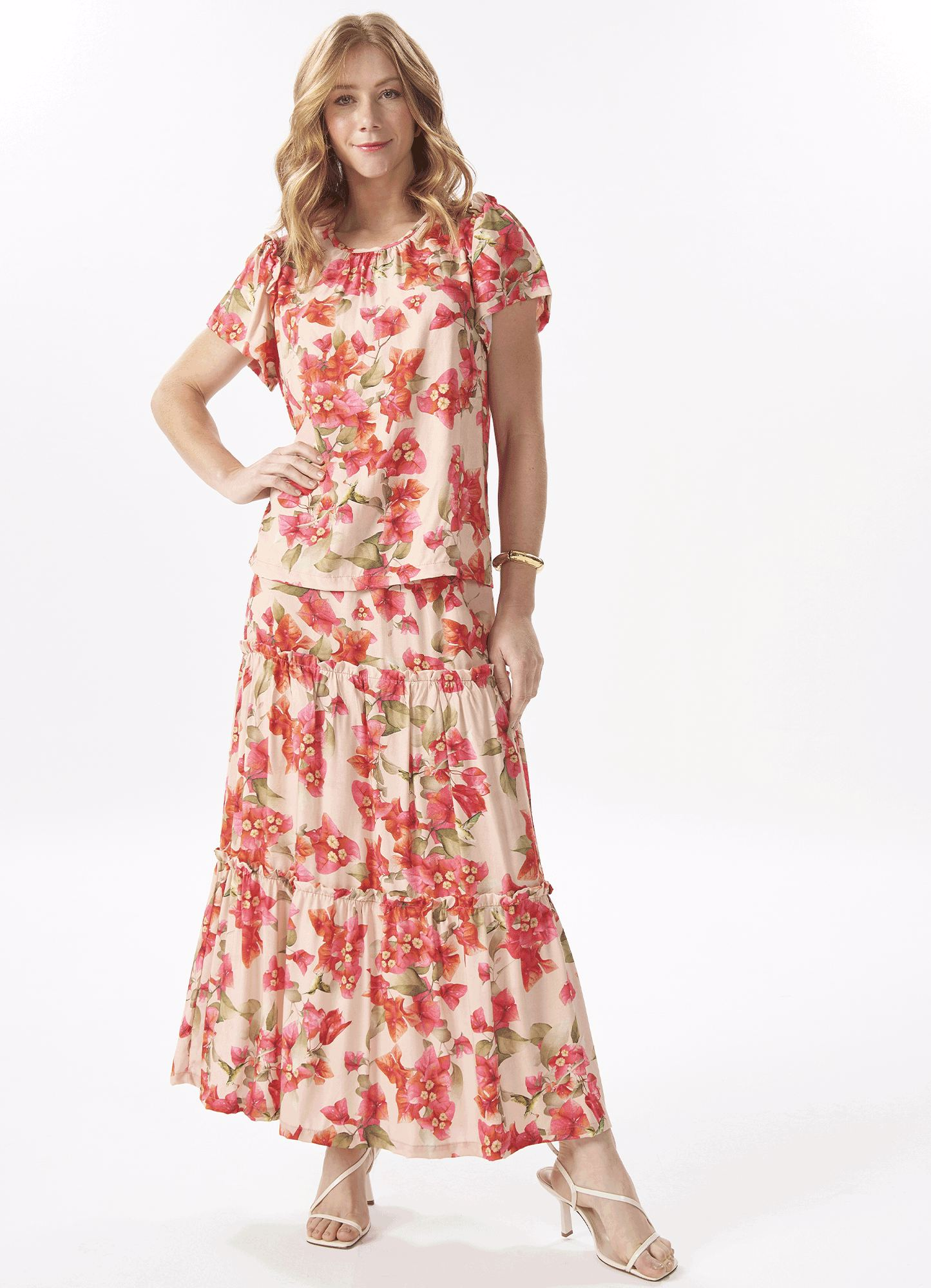Conjunto Feminino Tecido Estampa Floral Blusa e Saia Longa