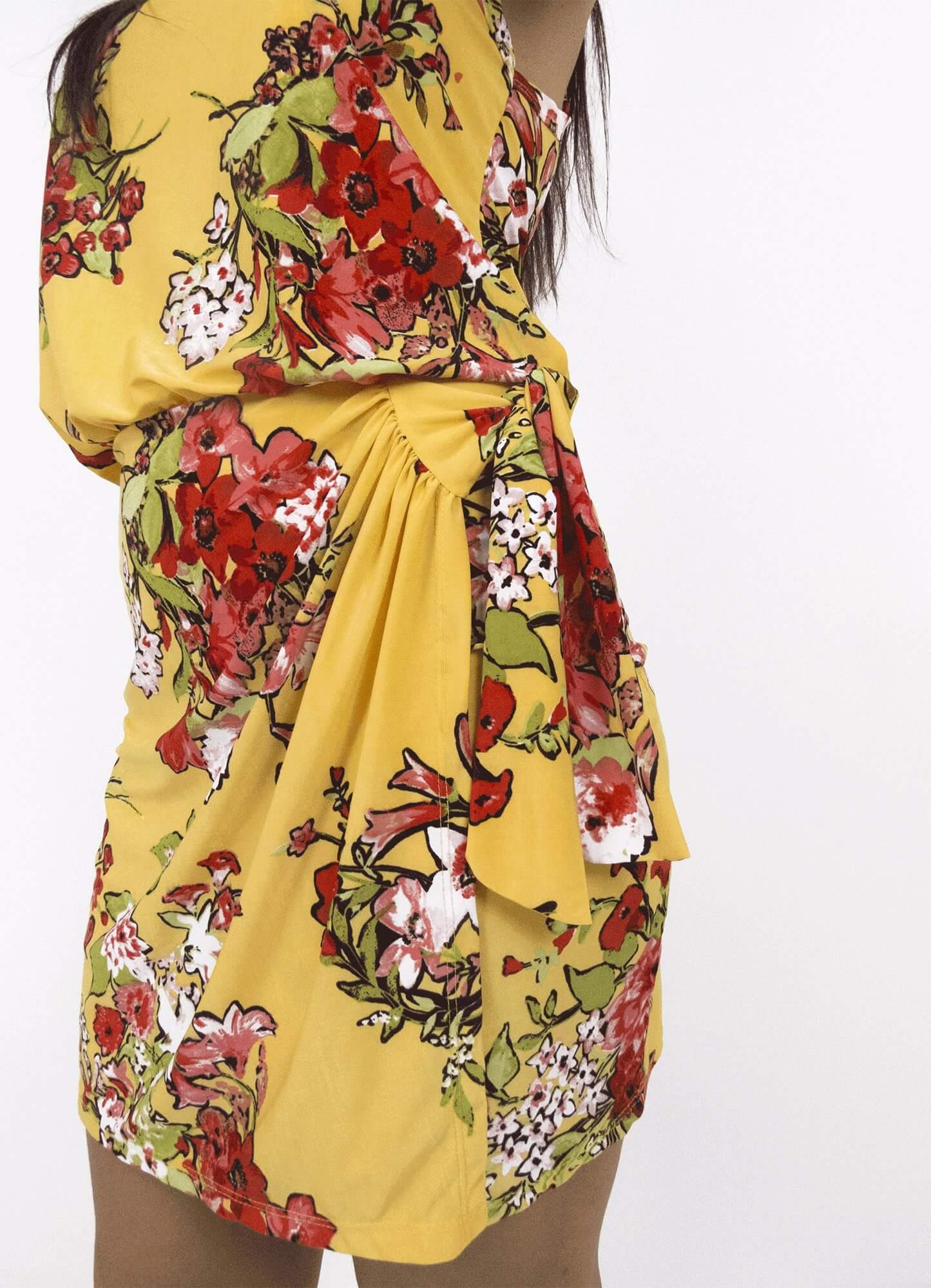 Vestido Feminino Curto Alça Jersey Estampa Floral Amarração Lateral