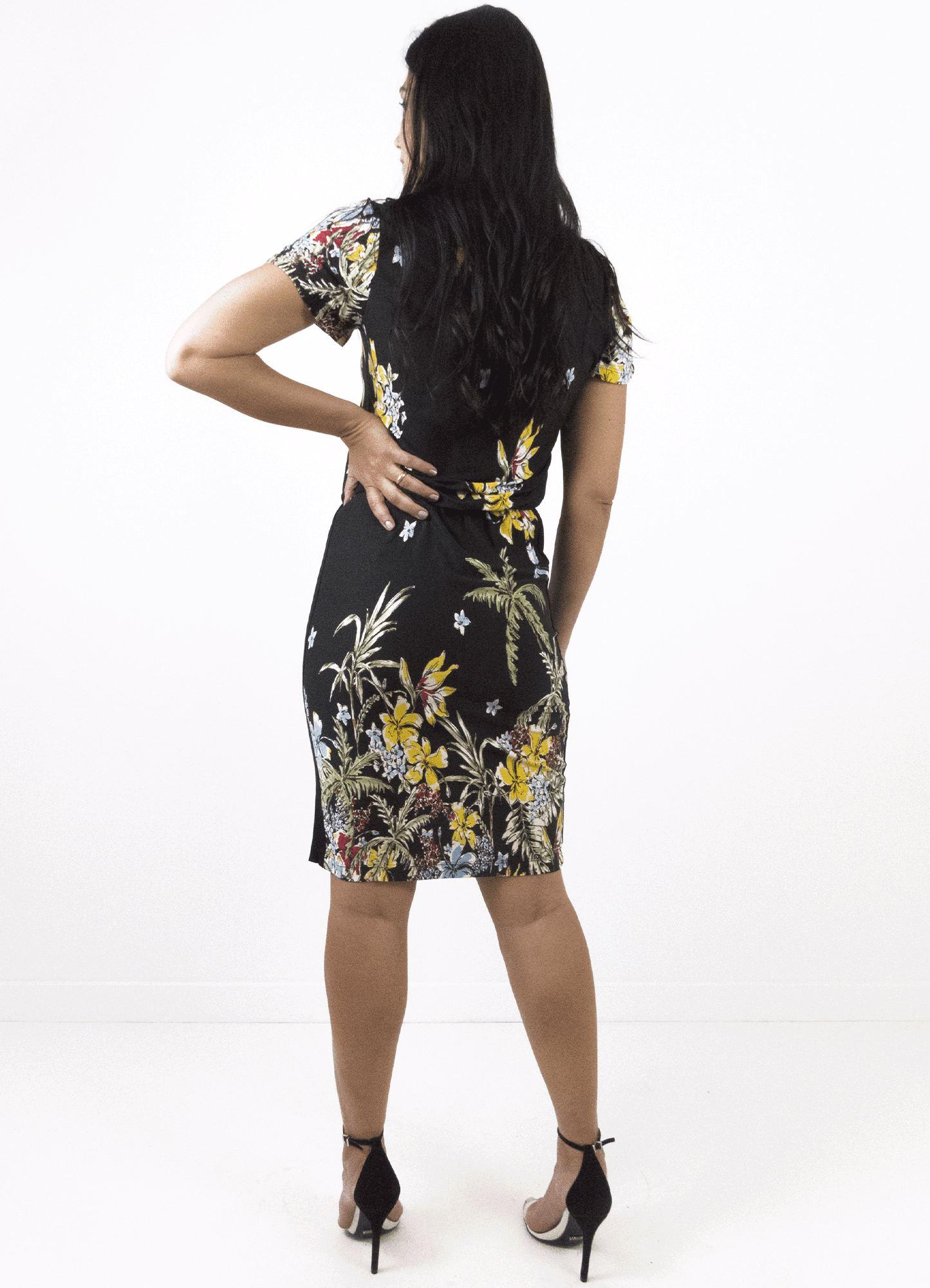 Vestido Feminino Estampa Floral Manga Curta Detalhe Elástico na Cintura