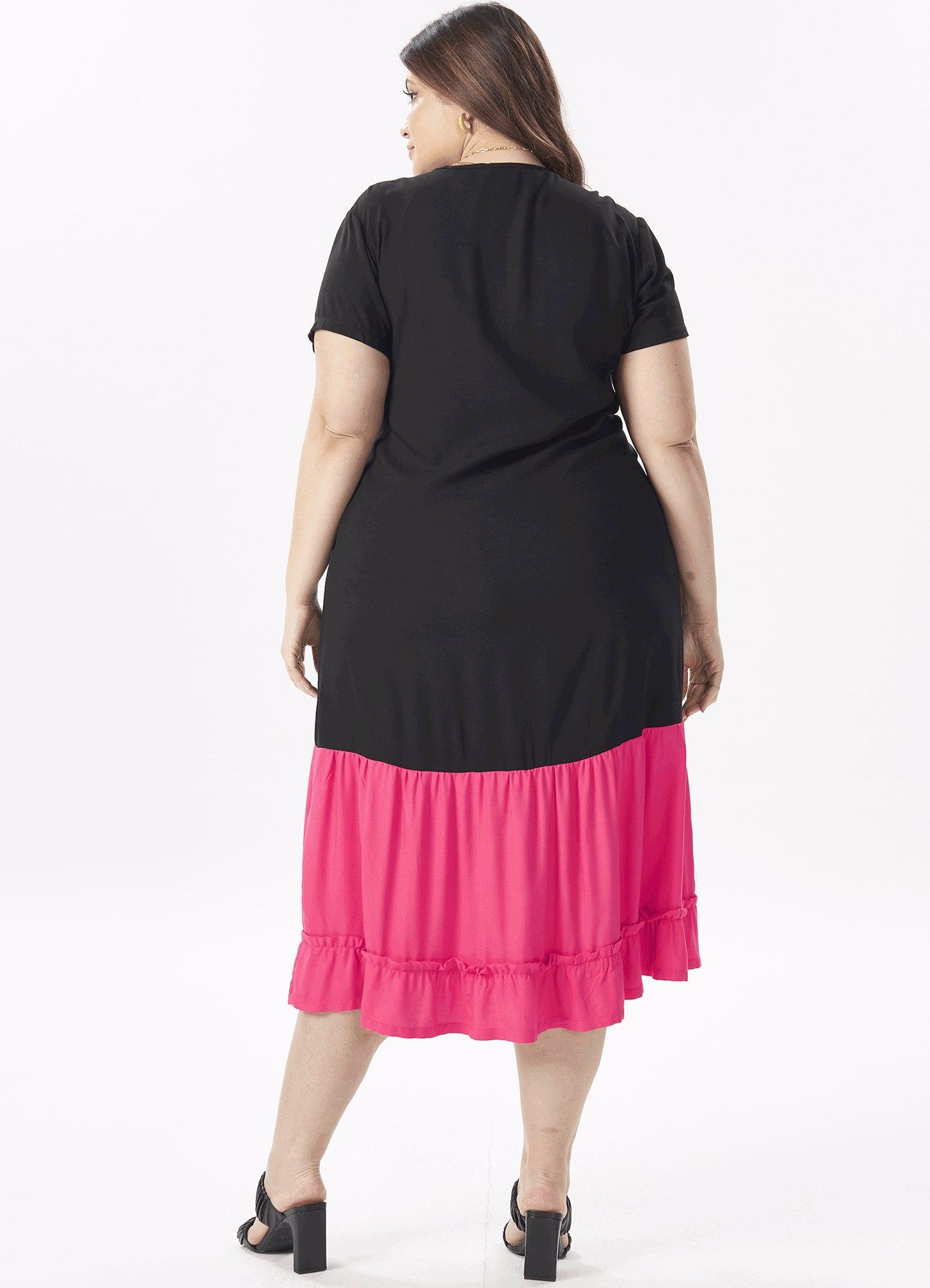 Vestido Feminino Plus Size Tecido Com Barrado Pink Decote em V