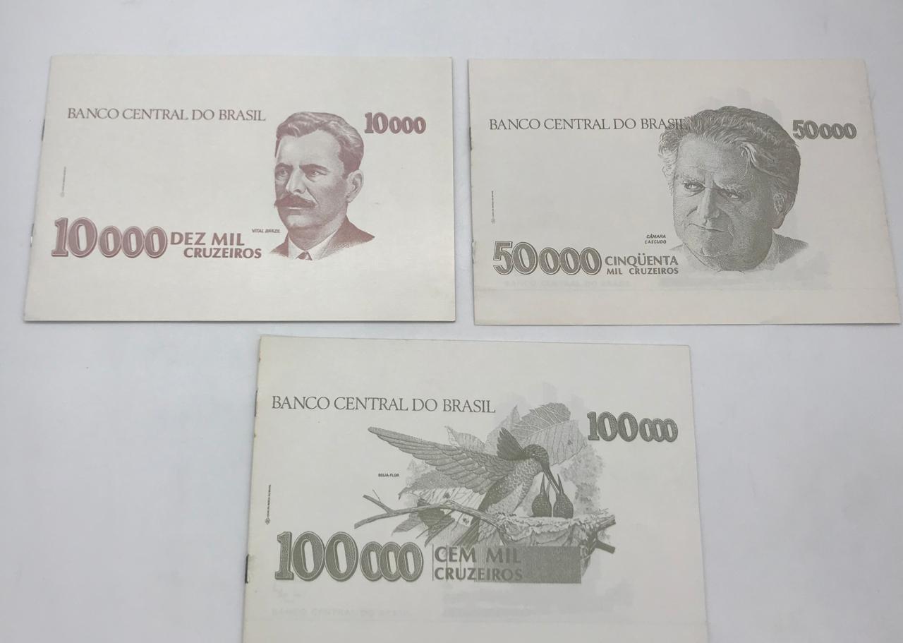 3 FOLDERS OFICIAIS DA CASA DA MOEDA DO BRASIL, ACOMPANHA AS 3 CÉDULAS FE
