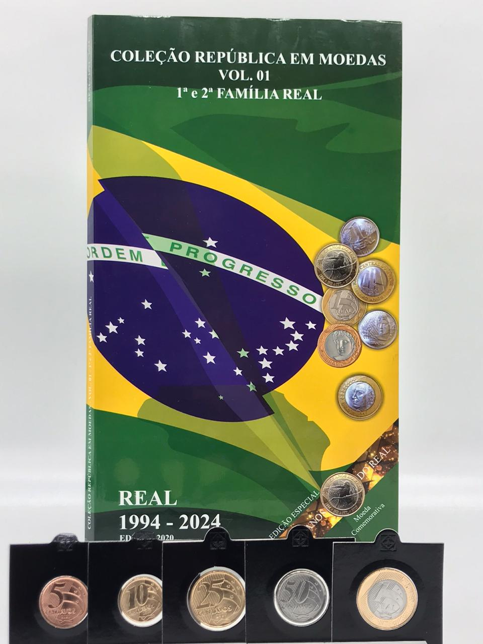 Album Coleção Familia do Real 1 e 2 Familia 1994-2024  BRINDE SET 2020 FC