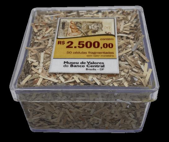 Cédulas de 50 Reais Fragmentadas do Museu de Valores do Banco Central no Acrílico