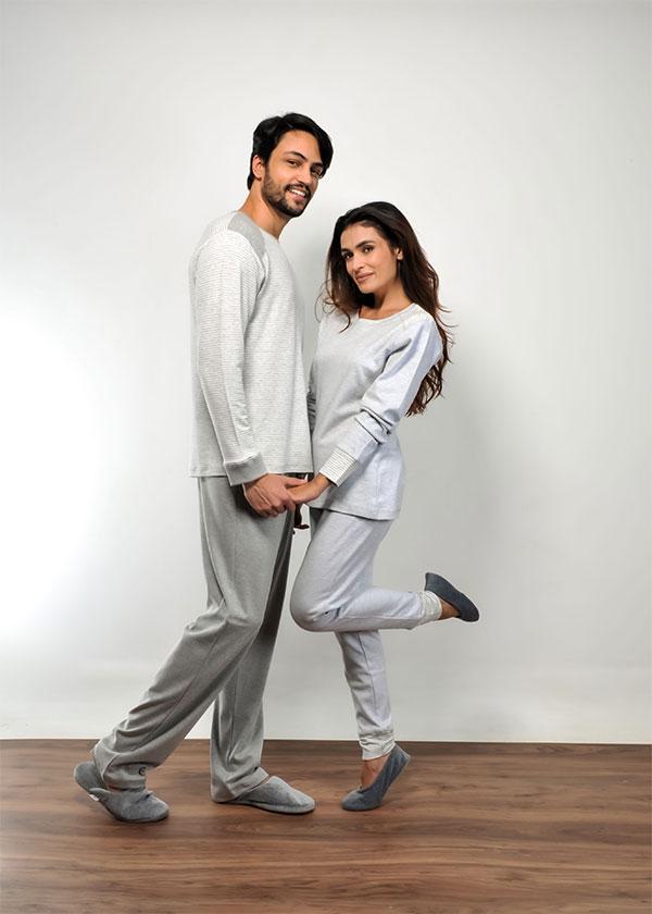 Kit Casal Pijama Listrado em Suedine - Mescla