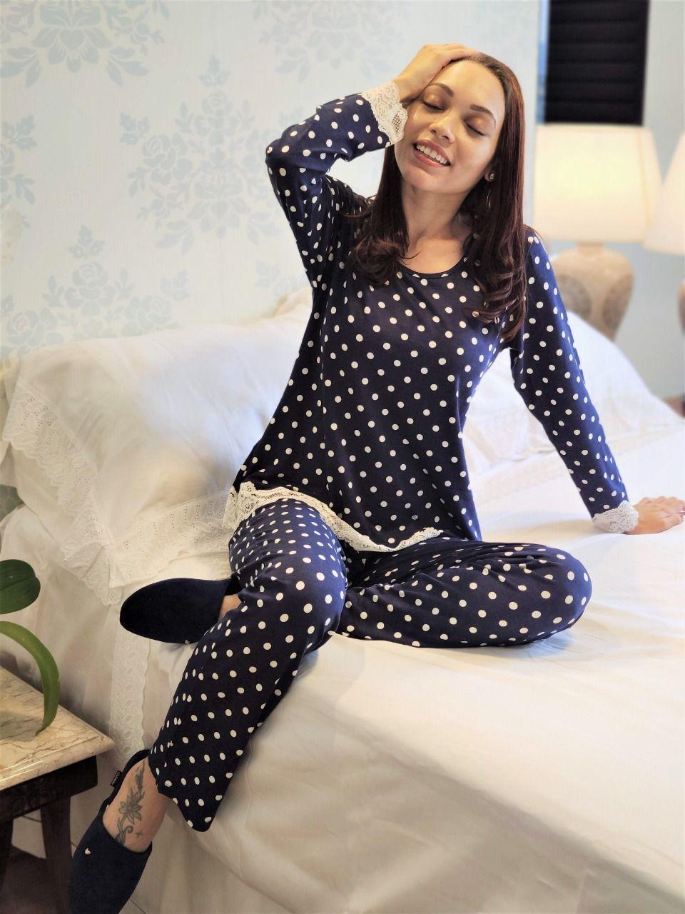 Pijama Feminino Longo em Viscolycra Poá com Renda