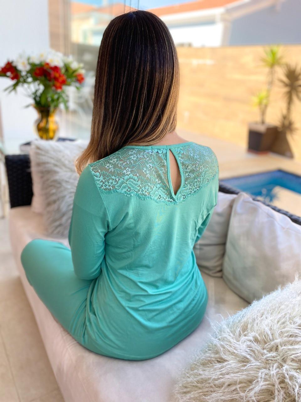 Pijama Feminino Longo com Renda em Viscolycra