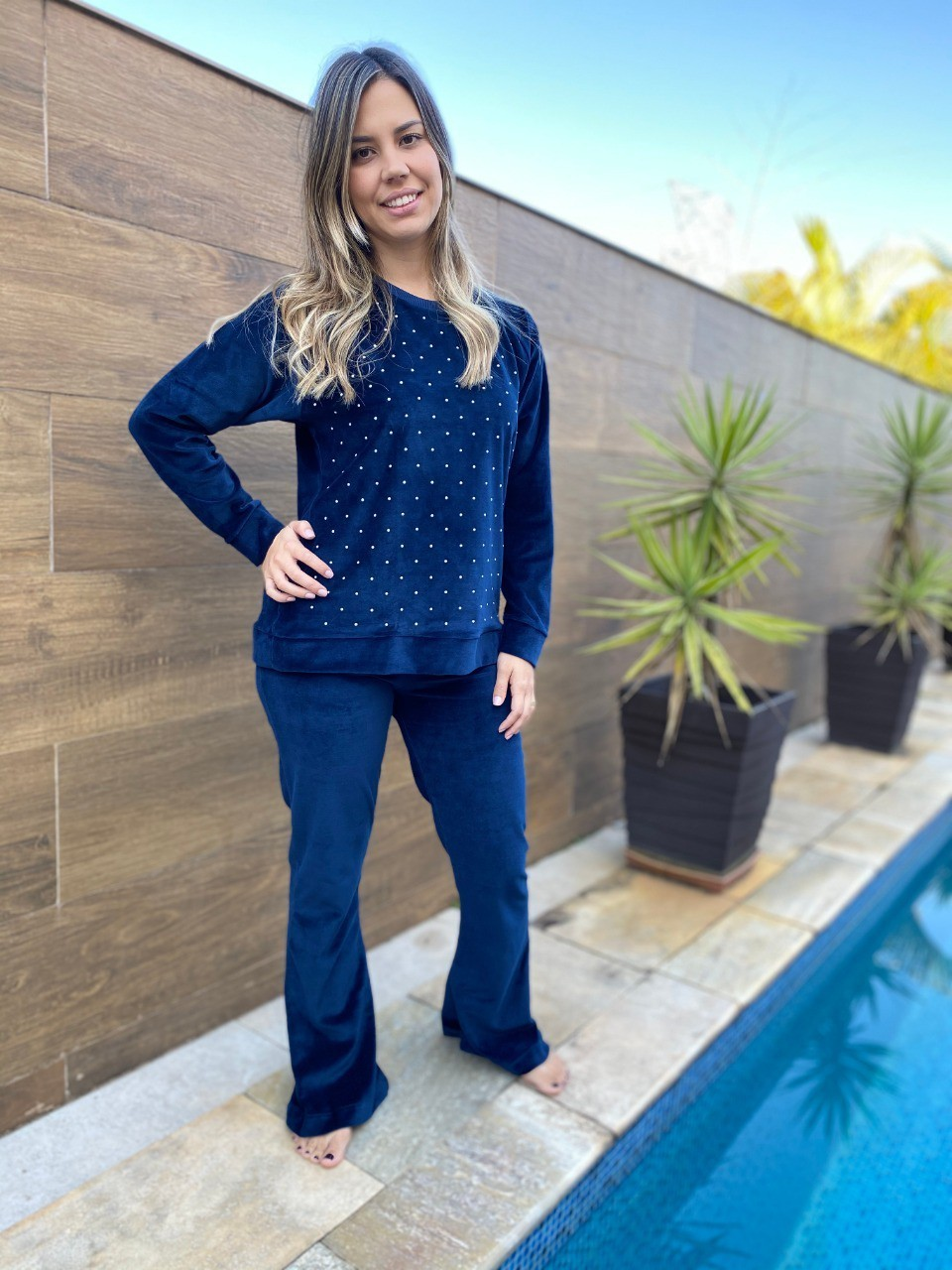 Pijama Feminino Longo Plush Com Pérola Azul Marinho