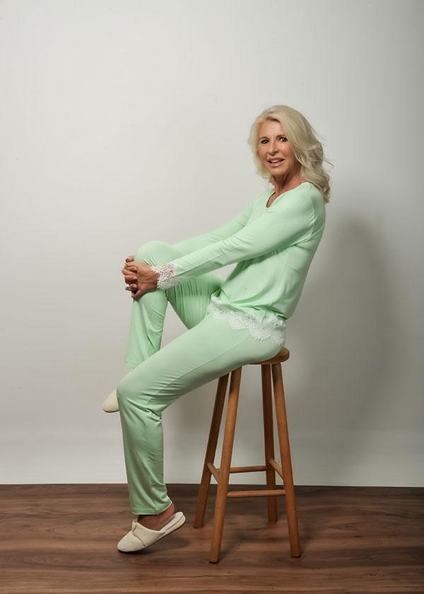 Pijama Feminino Longo Verde com Renda Chantilly