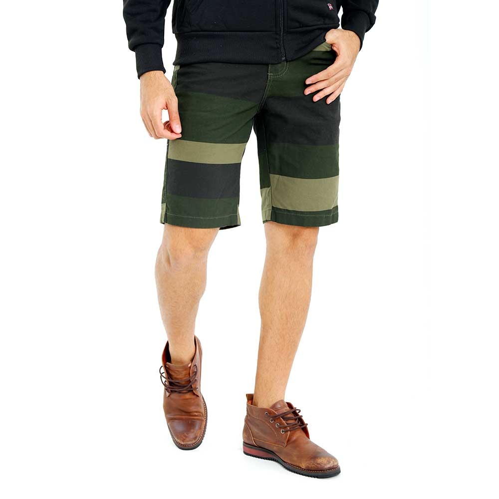 Bermuda Listrada Masculina Sarja Verde Bamborra