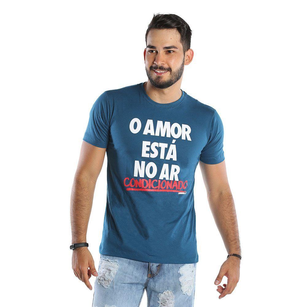 Camiseta Estampada Masculina O Amor Está No Ar