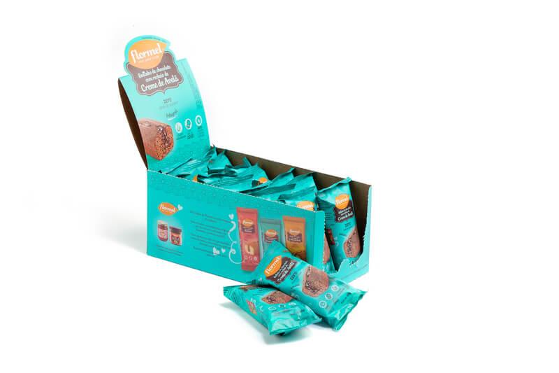 Bolinho integral de chocolate c/ recheio de creme de avelã zero - Flormel - cx c/ 14 un.