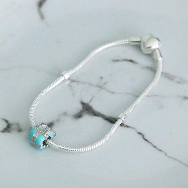 Berloque de Prata 925 Presente Tiffany Cravejado