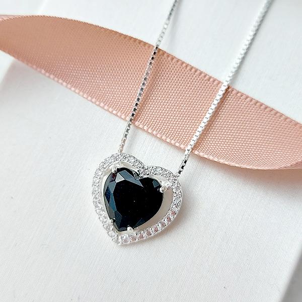 Colar de Prata 925 Coração Pequeno Ônix