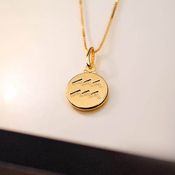 Pingente de Prata 925 Signo Aquário Banho Ouro 18K