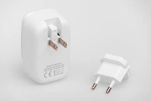 Carregador USB Light Power Função Lâmpada 3.4A