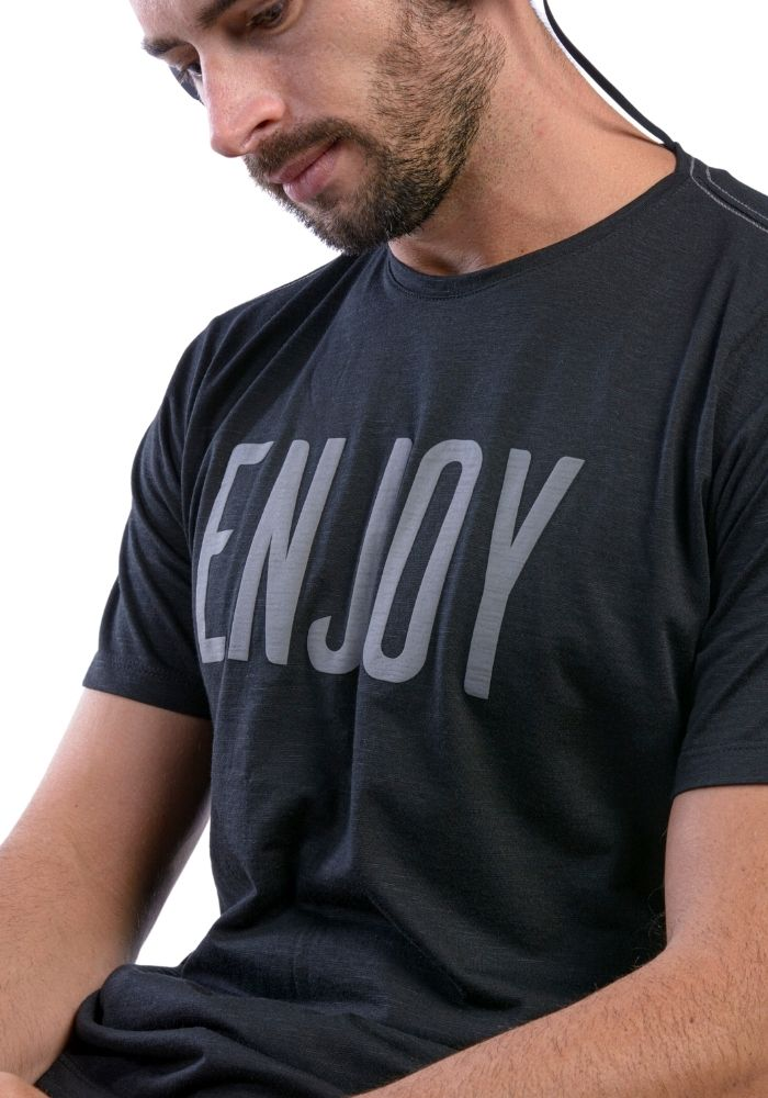 Camiseta Manga Curta Enjoy Preto