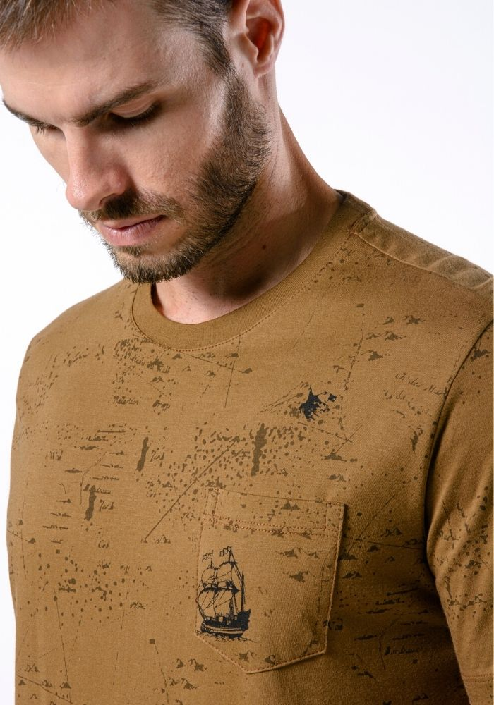 Camiseta Manga Curta Full Maps Ocre