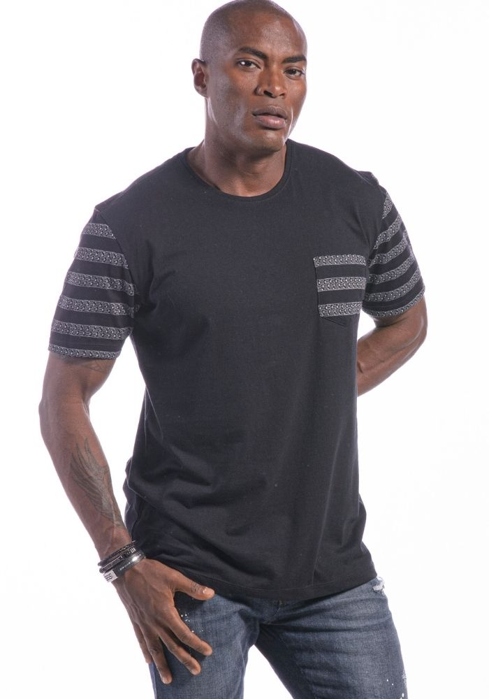 Camiseta Manga Curta Preto Étnico Black