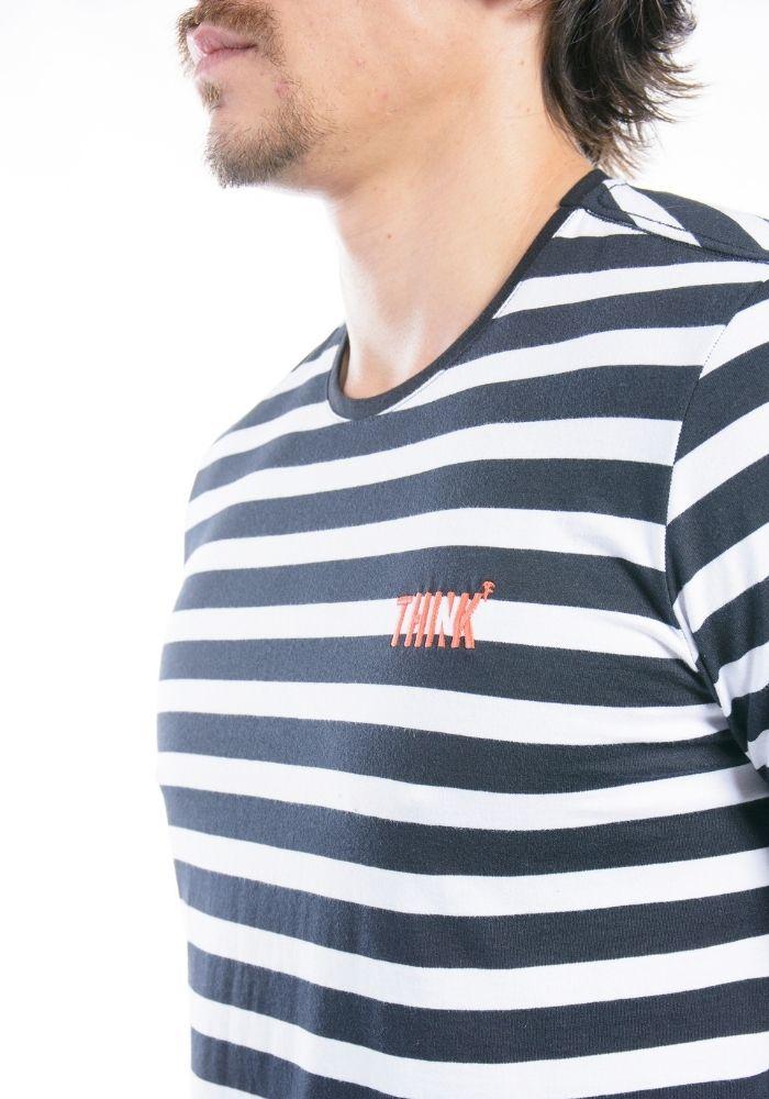 Camiseta Manga Curta Think Preta