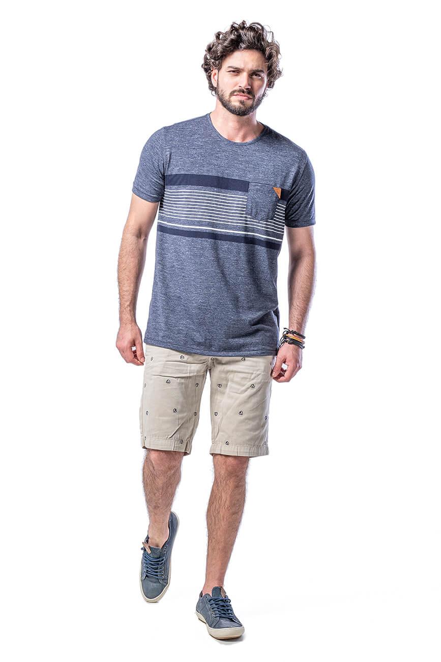 Camiseta Masculina em Malha Moulinê com Listras e Bolso -  Mescla Marinho