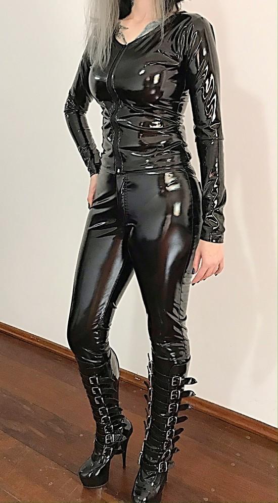 Blusa Vinil Efeito Látex Black Widow