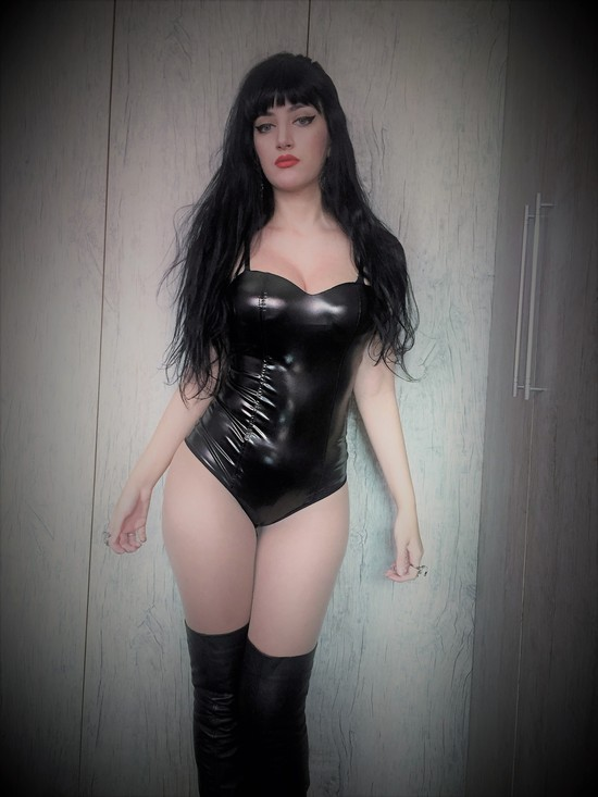 Body Black Shine efeito latex