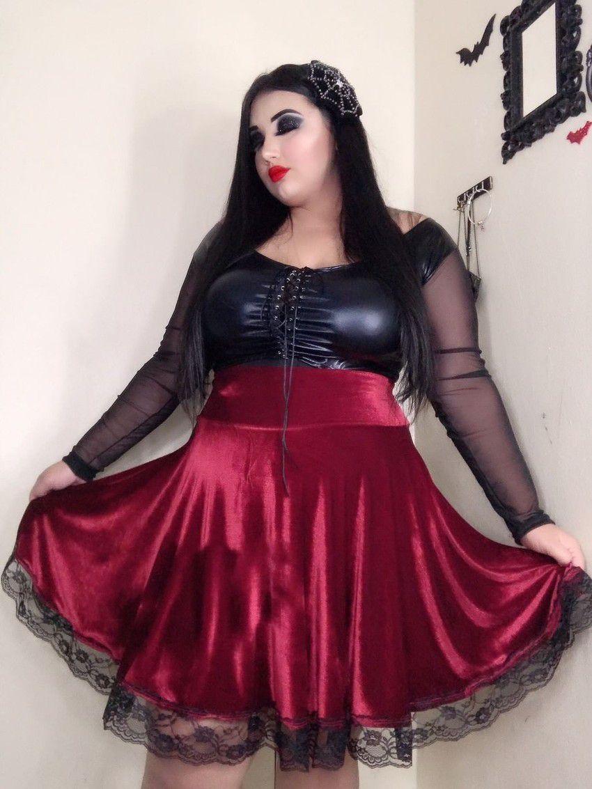 Saia Classic Doll Red Velvet