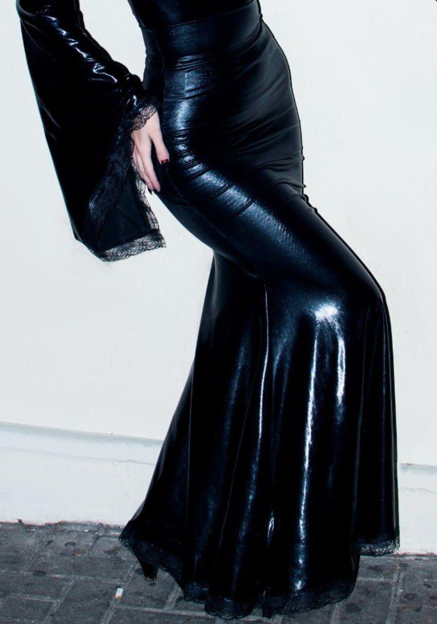 Saia em vinil com Lycra Queen of Hurts
