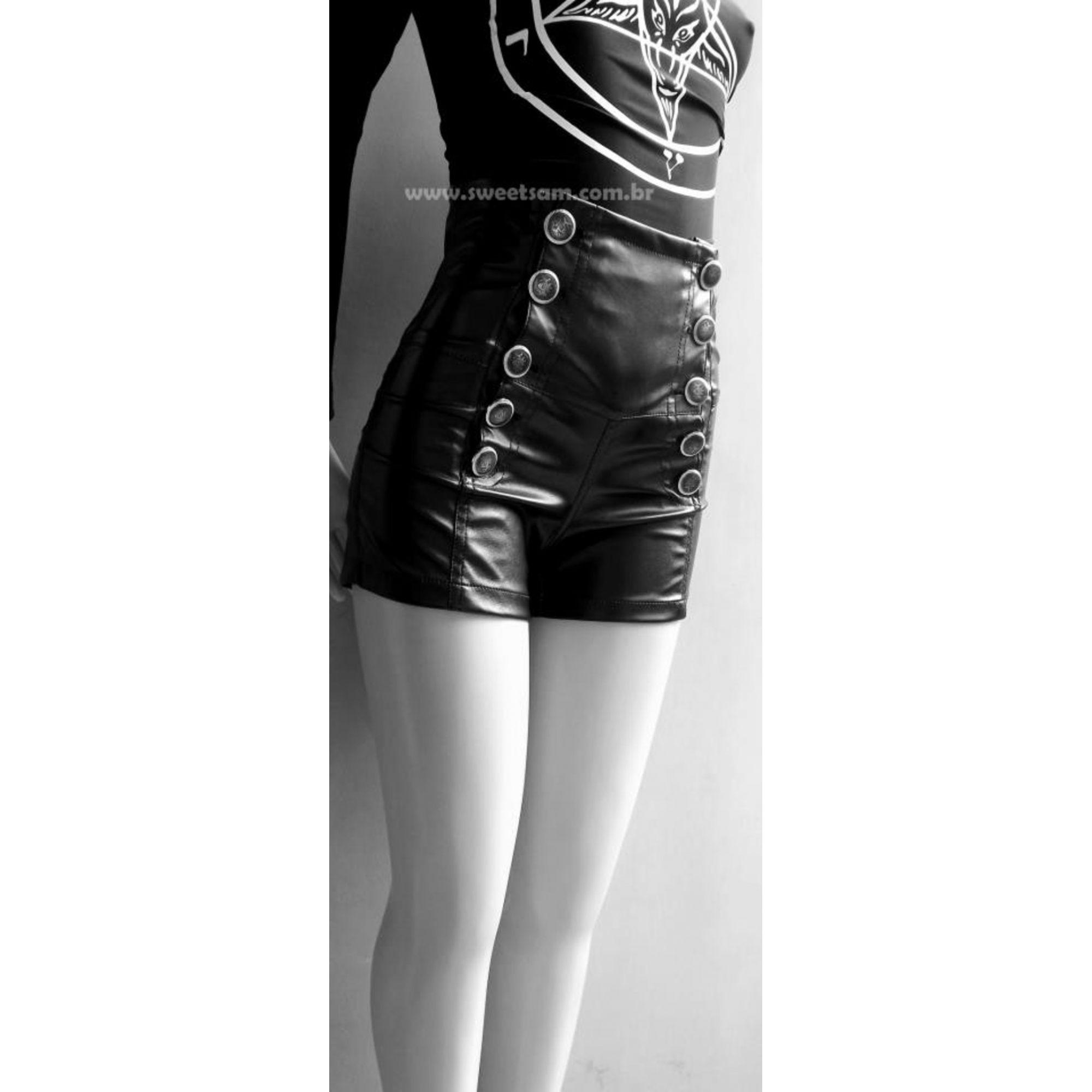 Shorts cintura alta em couro sintético com elastano