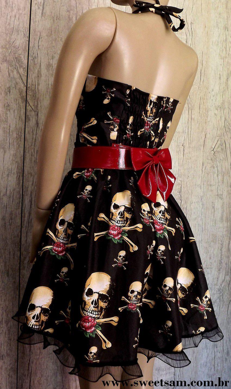 Vestido Vintage de Caveiras com Flores