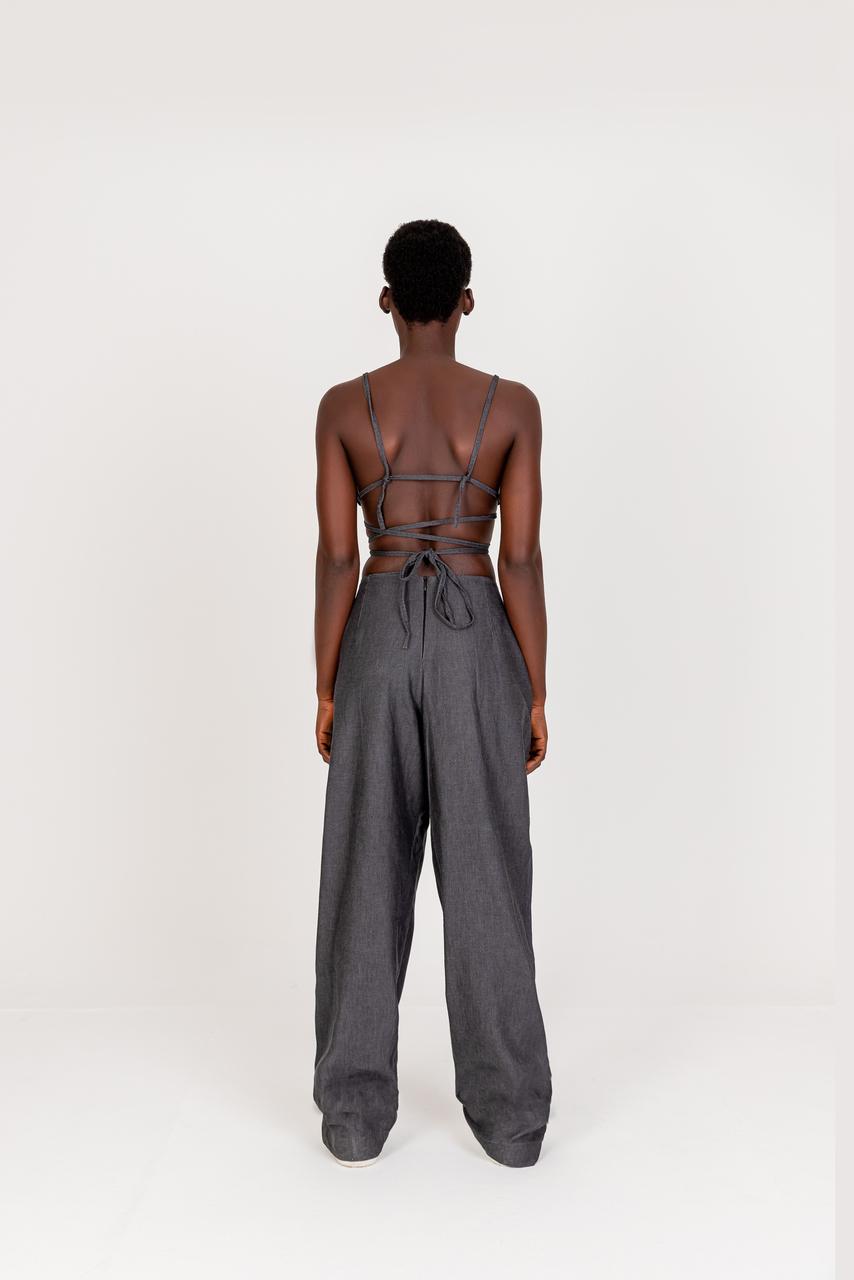 Calça com amarração na cintura