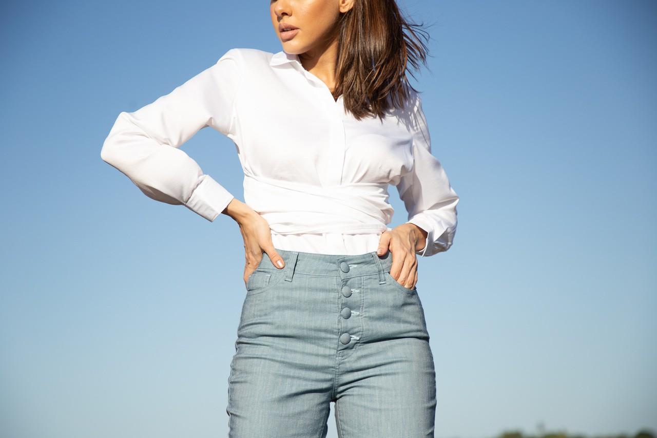 """Calça jeans cintura alta flare """"Y5"""""""