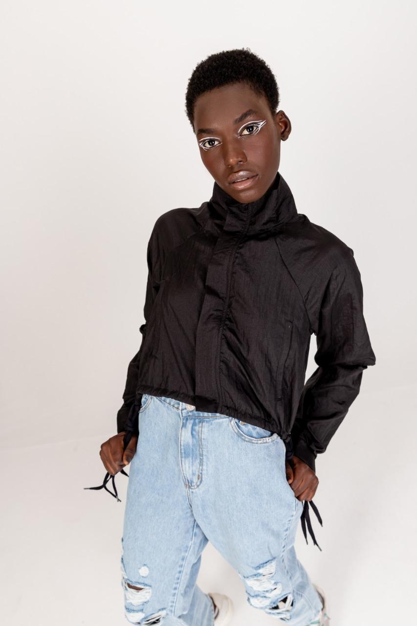 Casaco preto nylon