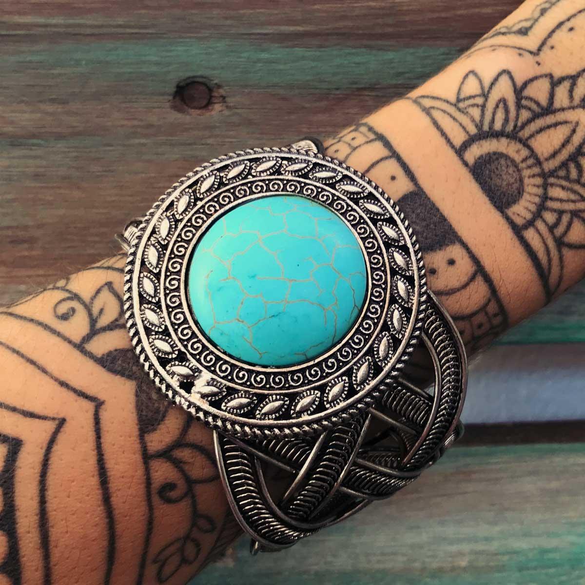 Bracelete Boho pedra Howlita azul redondo onda
