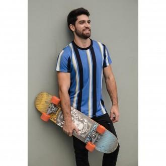 Camiseta Listrada Vertical Azul e Preta