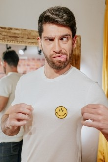 """Camiseta Viscolinho """"Smile Que Tudo Vê"""""""