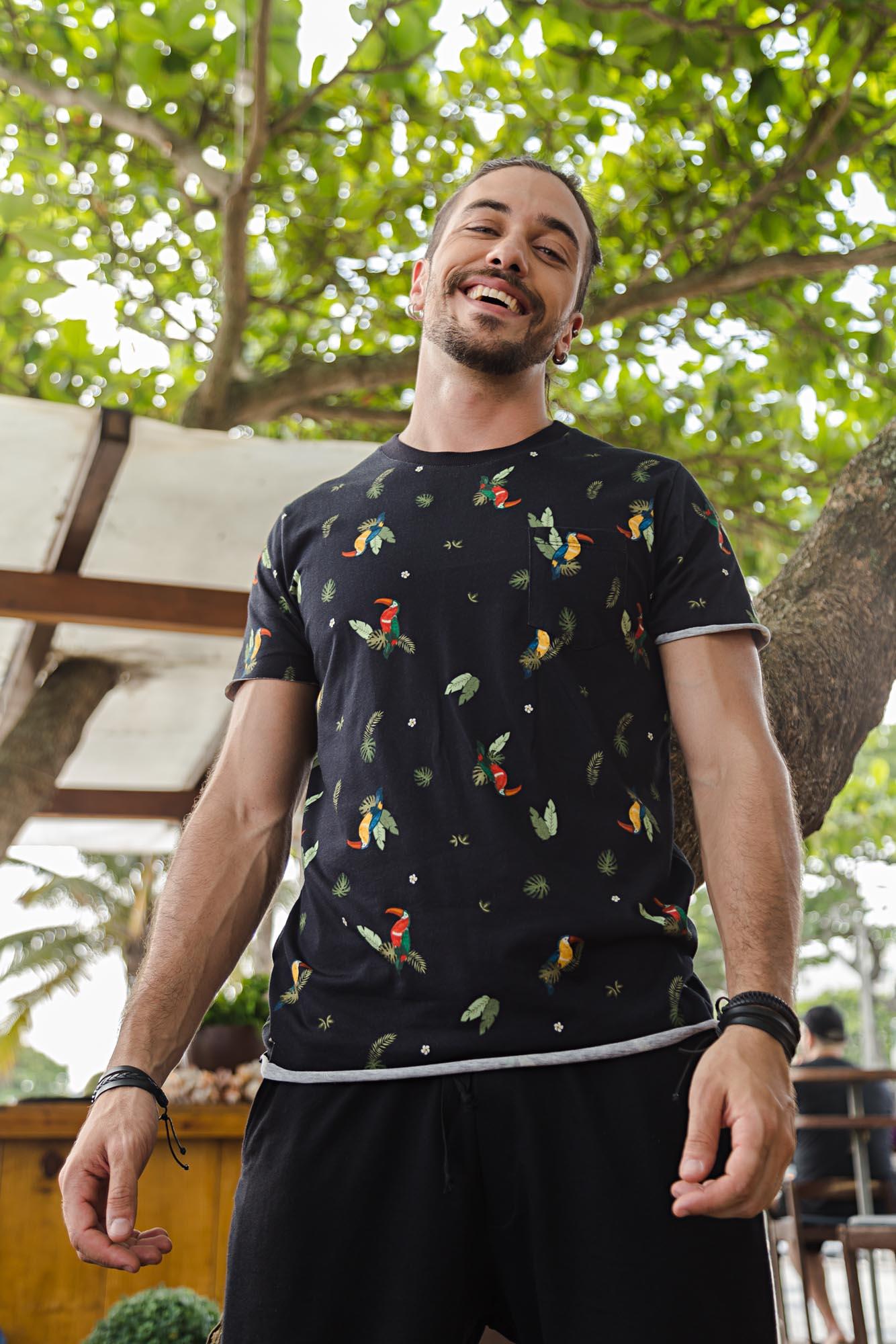 Camiseta Tucanos com Bolso