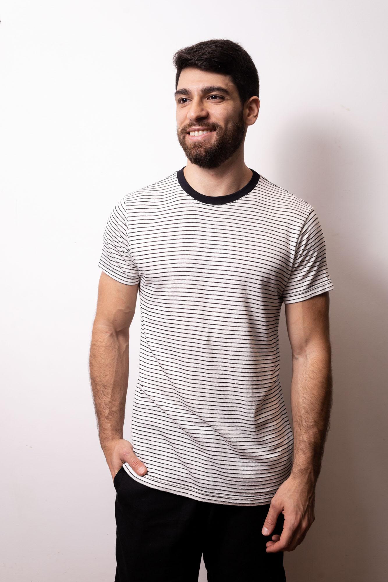 Camiseta Viscolinho Listrada Preta e Branca