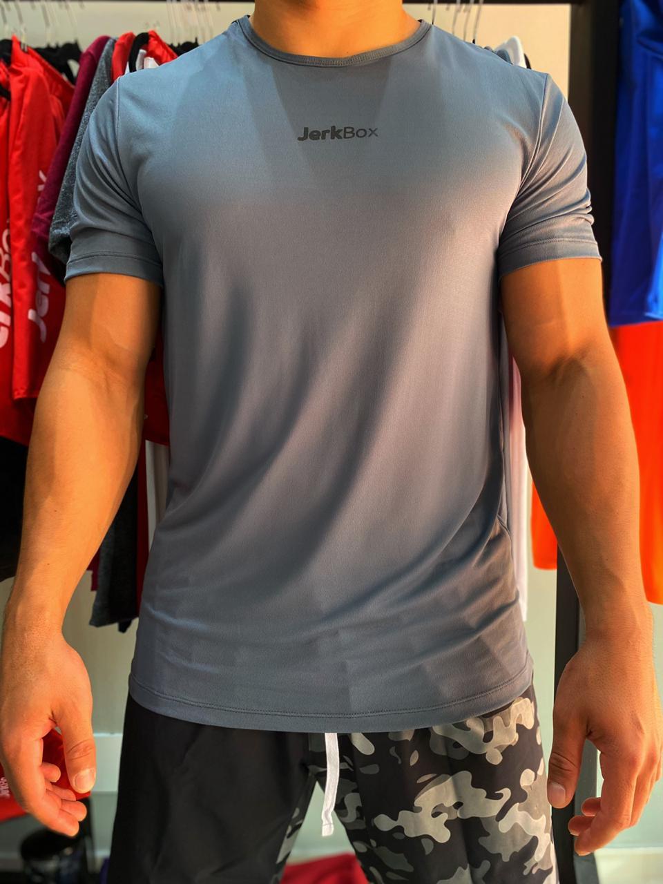 Camiseta  Soft Cinza detalhe Preto