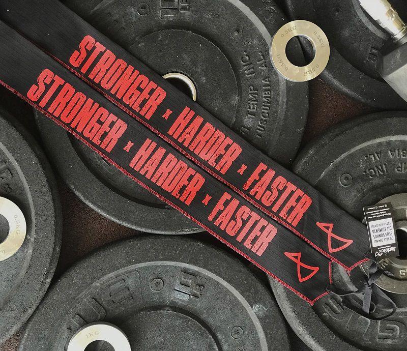 Munhequeira Wrist Stronger - Preto e Silk Vermelho