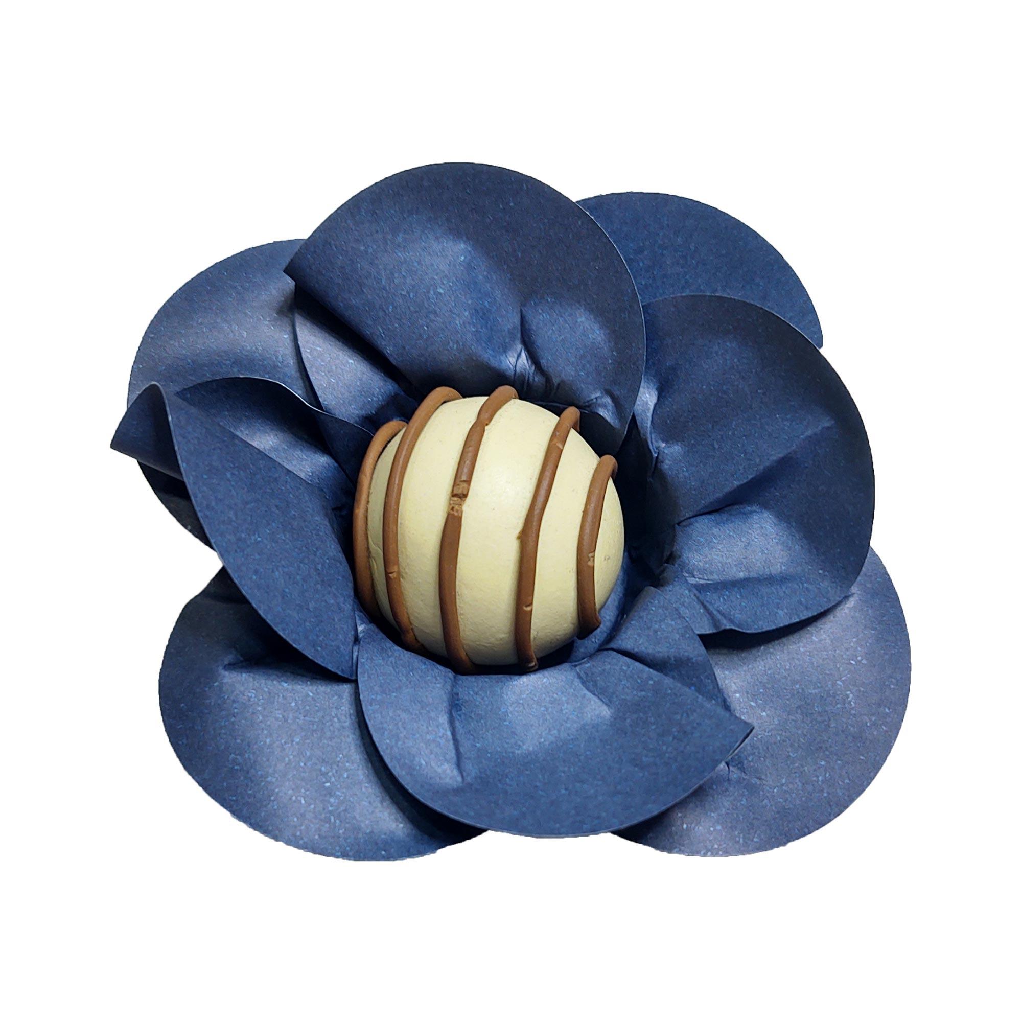 Forminha para Doces Mini Margarida em Papel Especial Azul Monaco Kit 40 Unidades