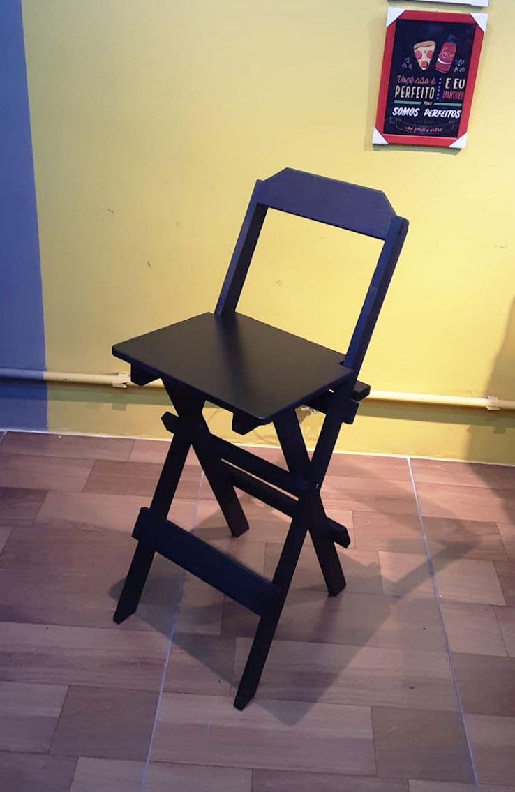 Cadeira Alta Dobrável de Madeira Pinos