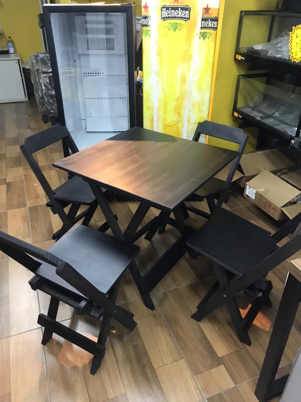 Conjunto de Mesa com Quatros Cadeiras 70cx70 Dobráveis