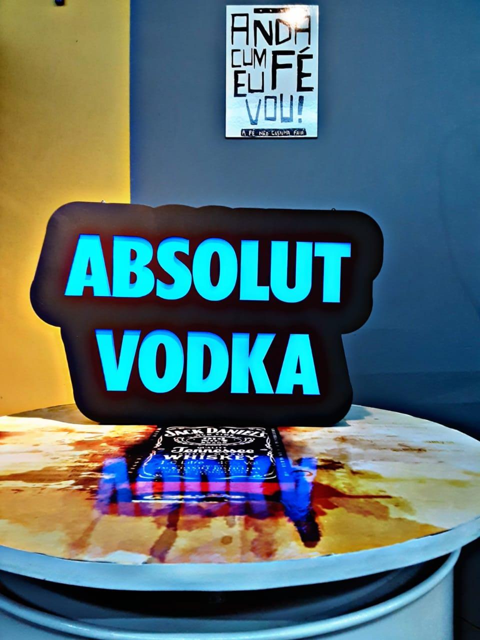 Luminoso Absolut Vodka