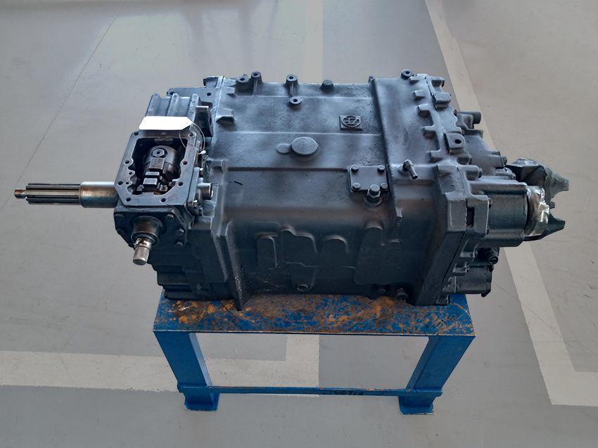 Caixa de Câmbio ZF 16S-1300