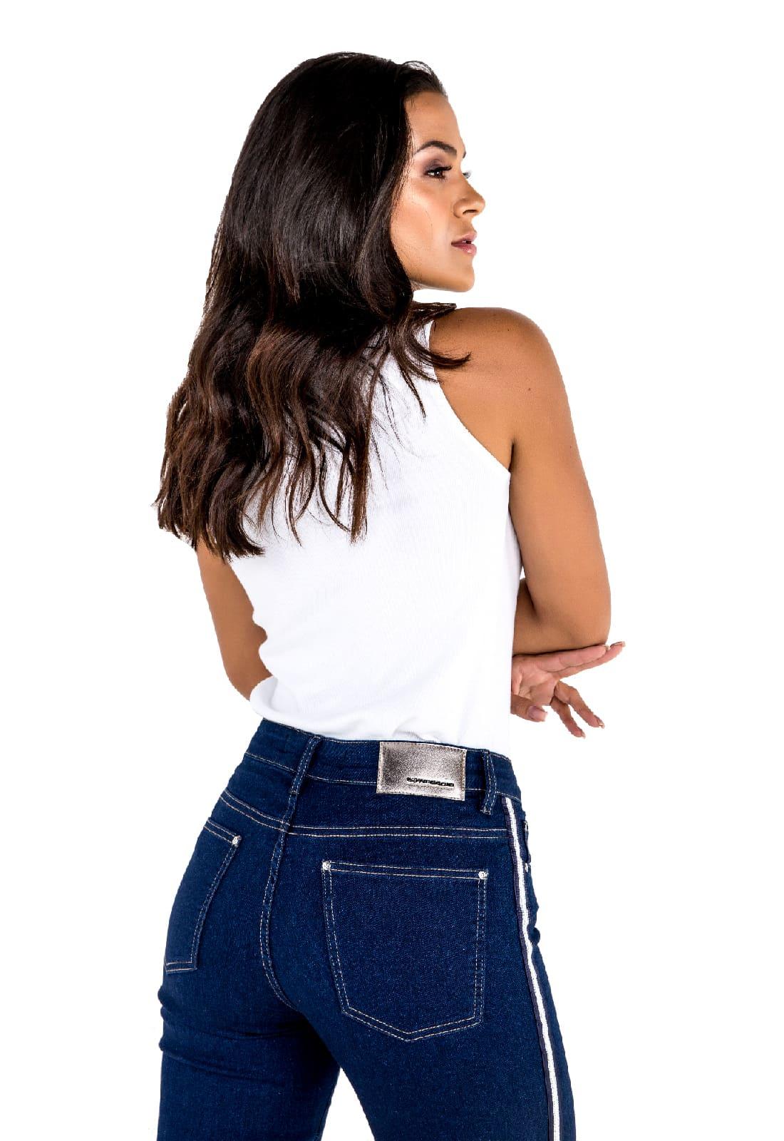 2 Blusas Feminina Latifundio Gola Alta -  Cores Branco e Preto