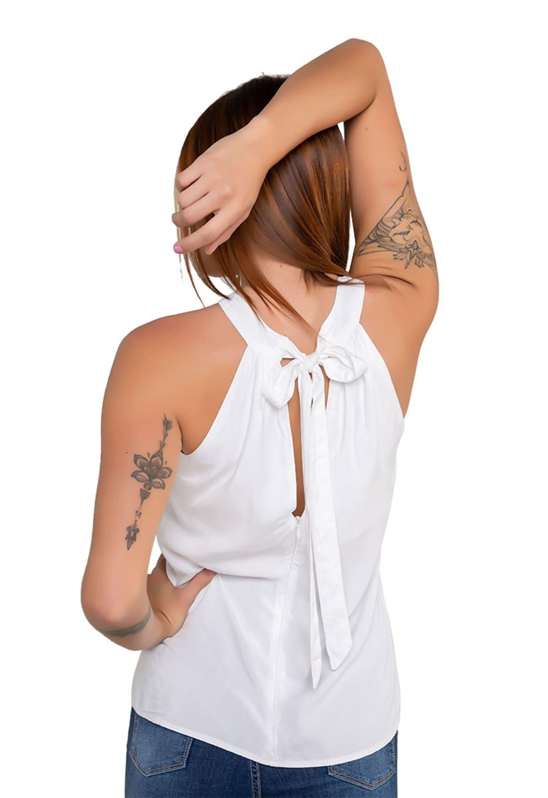 Blusa Feminina Gola Alta Cavada Branca